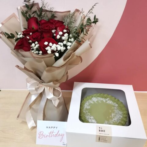 Pandan cake and fresh rose bouquet